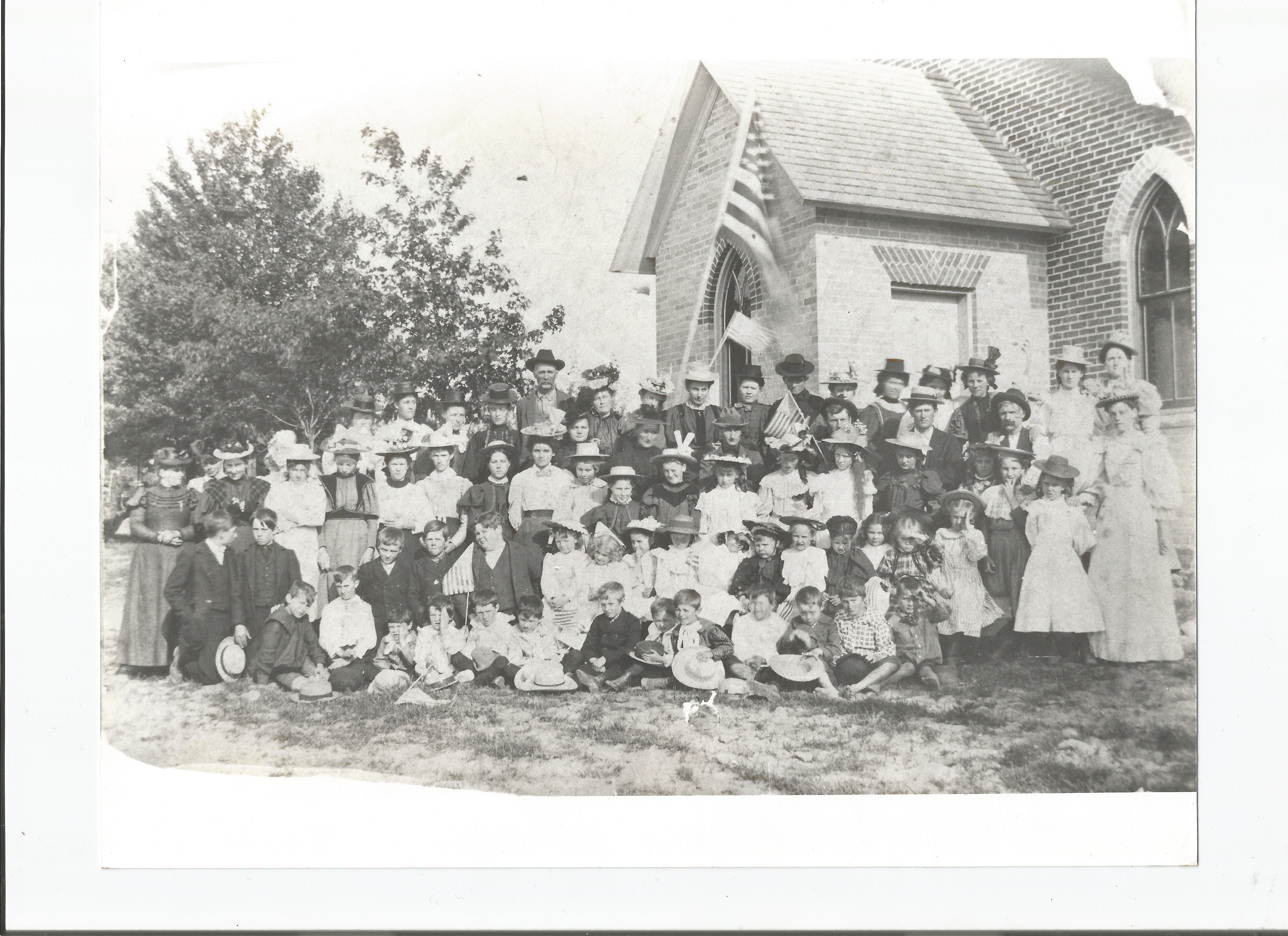 Omard Church congregation - c. early 1900s